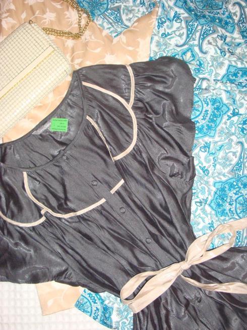 Vintage Haul - Charcoal shirt with Petal Collar