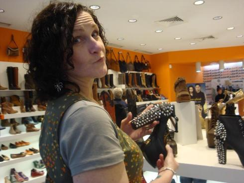 Contemplating a Shoe purchase - Seville - October 2012
