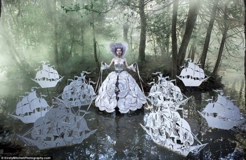 Kirsty Mitchell - Fairy Tale - 7 Seas