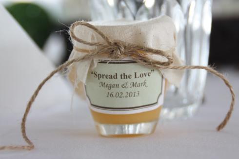 Spread With Love Bonbonniere