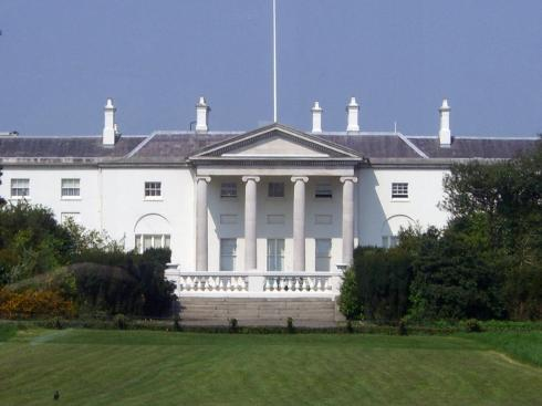 Who lives here? The president of Ireland or the USA?
